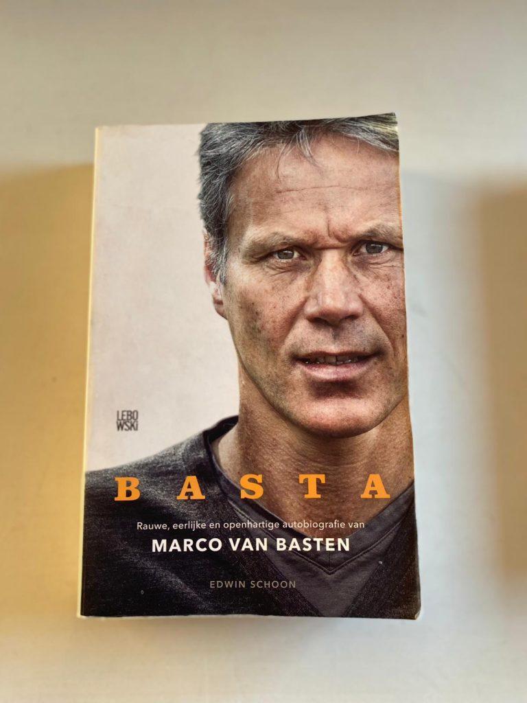 Voetbalboek Basta