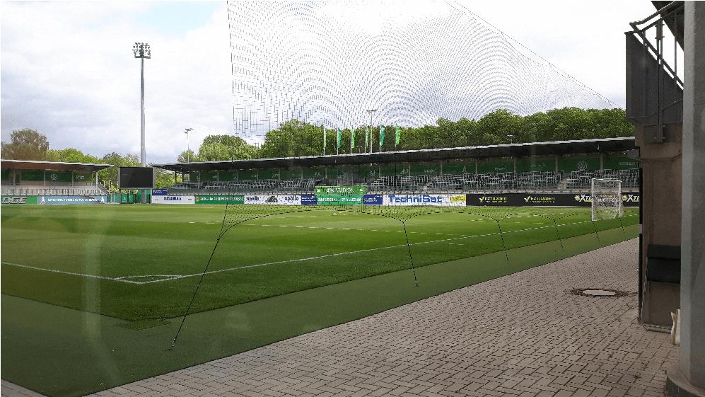 Het AOK-stadion. Bron: Hollandische_Bundesliga_Fans