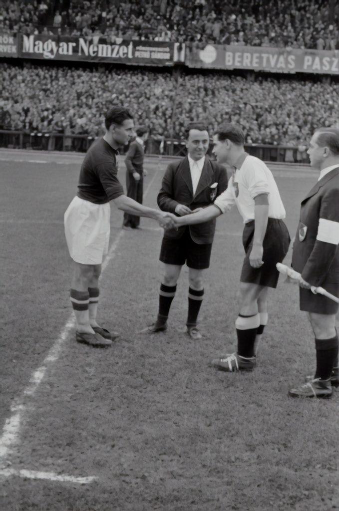 Door deze 5 boeken kom je meer te weten over de voetbalgeschiedenis
