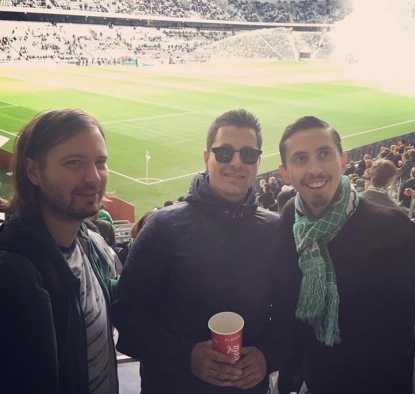 Bij een wedstrijd van Hammarby IF. Bron: @tim_bajen14