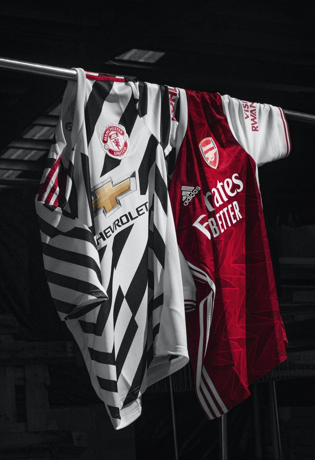 Waar ga je jouw ingelijste voetbalshirts ophangen?